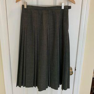 Dark grey stitched box pleated skirt
